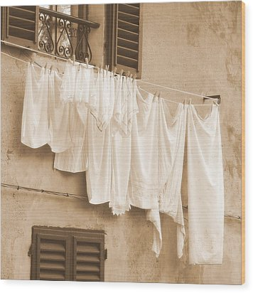 Wood Print featuring the photograph Tuscan Laundry by Ramona Johnston