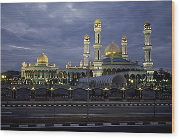 Twilight View Of An Illuminated Mosque Wood Print by Paul Chesley