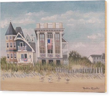 Two Different Houses On The Beach Wood Print