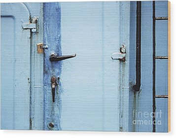 Two Handles And A Padlock Wood Print by Agnieszka Kubica
