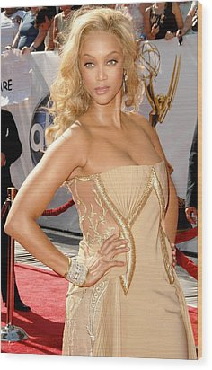 Tyra Banks Wearing A Georges Chakra Wood Print by Everett