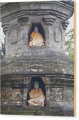 Ulun Danu Temple Statues Wood Print by Design Pics
