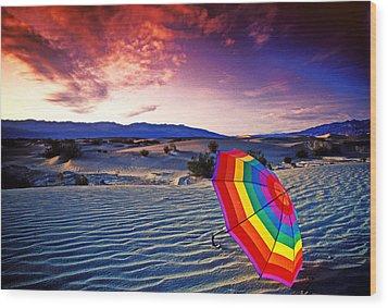 Umbrella On Desert Sands Wood Print by Garry Gay
