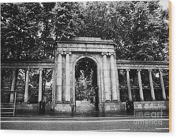 union street facade to the old kirkyard churchyard o the kirk of St Nicholas aberdeen scotland uk Wood Print by Joe Fox