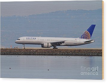 United Airlines Jet Airplane At San Francisco International Airport Sfo . 7d12129 Wood Print by Wingsdomain Art and Photography