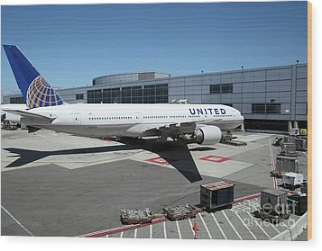 United Airlines Jet Airplane At San Francisco Sfo International Airport - 5d17114 Wood Print by Wingsdomain Art and Photography