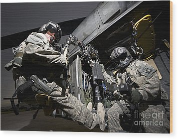 U.s. Air Force Crew Strapped Wood Print by Terry Moore