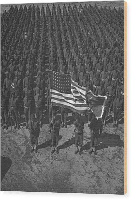 U.s. Army 41st Engineers On Parade Wood Print by Everett