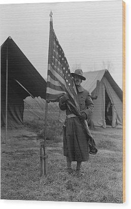 U.s. Army, African American Soldier Wood Print by Everett