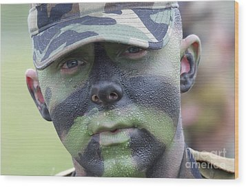 U.s. Army Soldier Wearing Camouflage Wood Print by Stocktrek Images