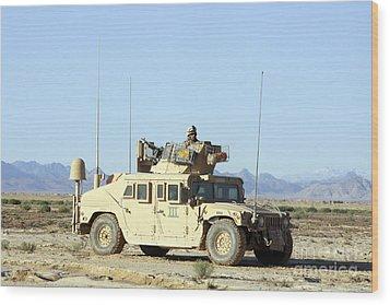 U.s. Marine Standing Ready Wood Print by Stocktrek Images