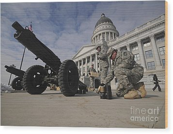 U.s. Soldiers Clean Up After Firing Wood Print by Stocktrek Images