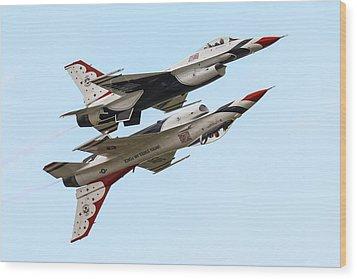 Usaf Thunderbirds Display Pair Wood Print by Ken Brannen