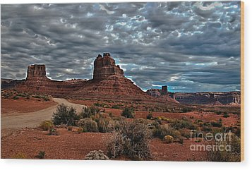 Valley Of The Gods II Wood Print by Robert Bales