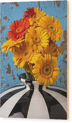 Vase With Gerbera Daisies  Wood Print by Garry Gay