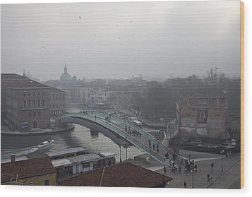 Wood Print featuring the photograph Venice In Fog by Raffaella Lunelli