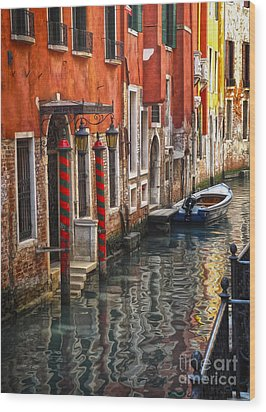 Venice Italy - Quiet Canal Wood Print by Gregory Dyer