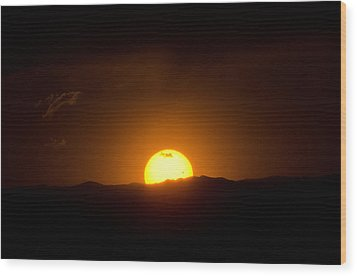 Venus Transit Setting Over The Rocky Mountains Wood Print