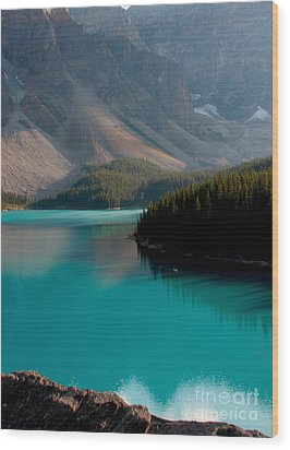 Wood Print featuring the photograph Vertical by Milena Boeva