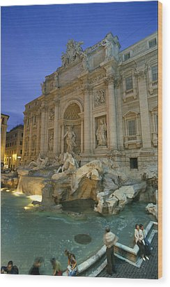 View At Dusk Of The Trevi Fountain Wood Print by Richard Nowitz