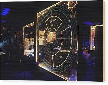 View Of A Radar Scope Aboard Wood Print by Everett