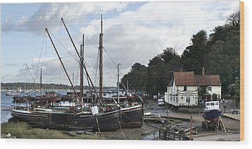 View Of Pin Mill From King's Yard Wood Print by Gary Eason