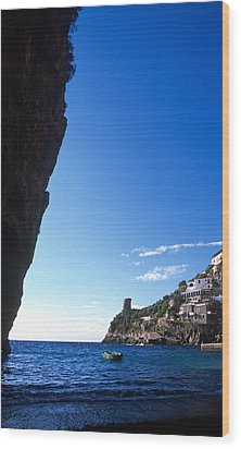 View Of Praiano Italy Wood Print by Cliff Wassmann