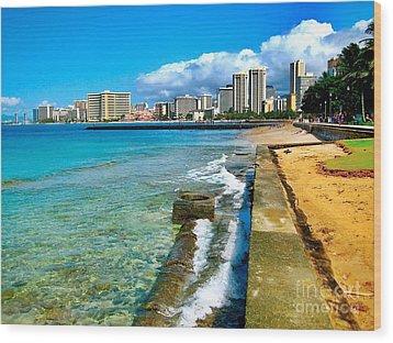 View Of Waikiki Wood Print by Joe Finney