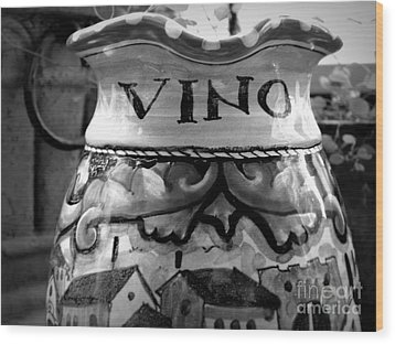Vino Wood Print by Tanya  Searcy