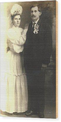 Vintage Bride And Groom Wood Print by Alan Espasandin