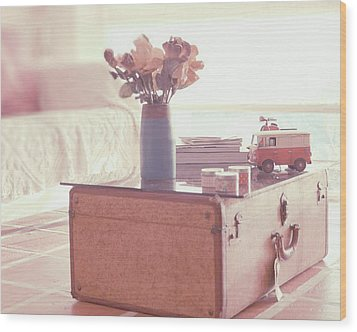 Vintage Suitcase Wood Print by Carmen Moreno Photography