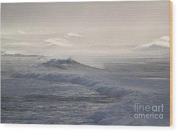 Violent Surf Wood Print by Terri Thompson