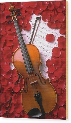 Violin On Sheet Music With Rose Petals Wood Print by Garry Gay