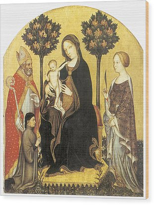 Virgin And Child Enthroned Wood Print by Gentile Da Fabriano
