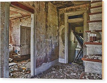 Virginia Interior Ruins Wood Print by Greg Molesworth