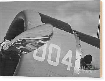 Vultee Bt-13 Valiant In Bw Wood Print by Lynda Dawson-Youngclaus