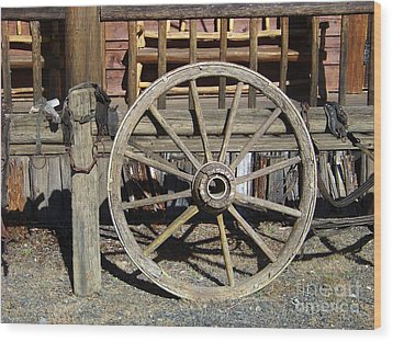 Wagon Wheel Wood Print by Charles Robinson