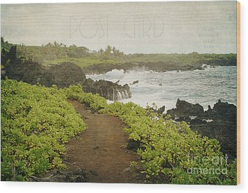Waianapanapa Wood Print by Sharon Mau