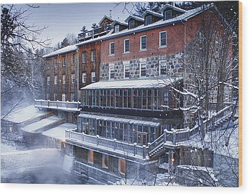 Wood Print featuring the photograph Wakefield Inn by Eunice Gibb