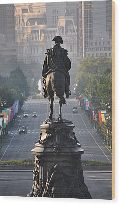 Washington Looking Down The Parkway - Philadelphia Wood Print by Bill Cannon