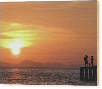 Watching A Sunset From The Jetty Wood Print by Thepurpledoor