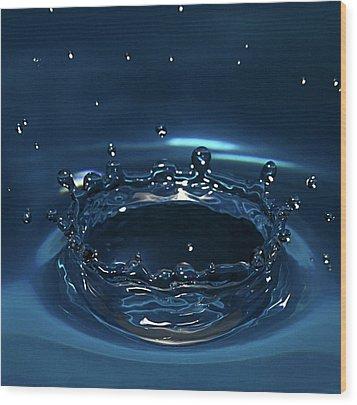 Water Drop Impact Wood Print by Linda Wright