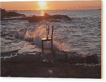Wave Splash Wood Print by Ron Smith