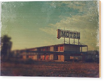 We Met At The Old Motel Wood Print by Laurie Search