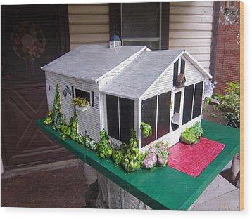 Wendy's Cottage Birdhouse Wood Print by Gordon Wendling