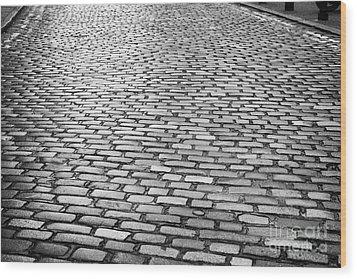 Wet Cobblestoned Huntly Street In The Union Street Area Of Aberdeen Scotland Wood Print by Joe Fox
