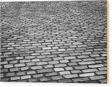 Wet Cobblestoned Huntly Street In The Union Street Area Of Aberdeen Scotland Uk Wood Print by Joe Fox