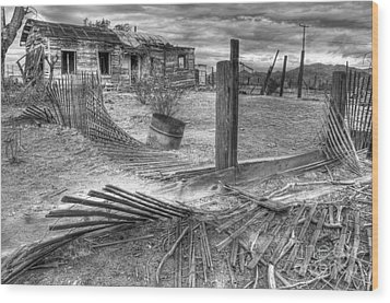 Where Does The Story End Monochrome Wood Print by Bob Christopher