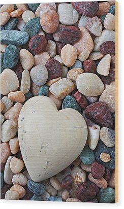White Heart Stone Wood Print by Garry Gay