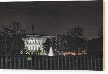 White House At Christmas Wood Print by Metro DC Photography
